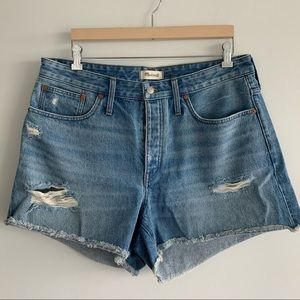 Madewell | Relaxed Ripped Denim Short | US 32